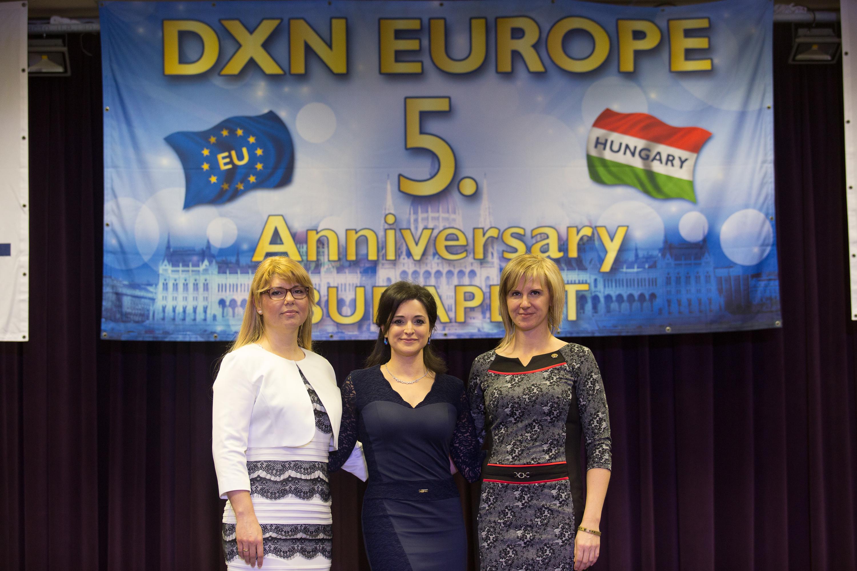 Három DXN Gyémánt